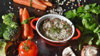 Lehká sezónní jídla na léto: Hříbkové rizotto nebo bazalková pomazánka