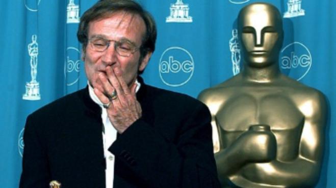 Nejzábavnější komik Robin Williams by dnes oslavil 67. narozeniny. Jaký doopravdy byl táta v sukni?