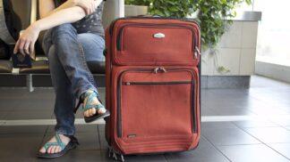 Čeká vás cesta letadlem? Poradíme vám pár tipů, jak přežít čekání na letišti v klidu a pohodě