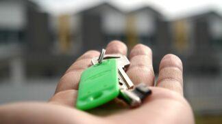 Partner s vámi nechce žít v jedné domácnosti? Netrapte se tím! Přinášíme 7 důvodů, proč je lepší bydlet sama