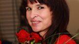 Před sedmi lety byla zavražděna spisovatelka ženských románů Simona Monyová. Byla psychicky i fyzicky týraná