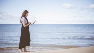 Hoďte se offline: 4 knihy, které vám pomohou nalézt vnitřní klid