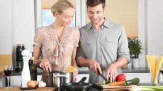 4 nejčastější chyby, kterých se stále dokola dopouštíme v kuchyni