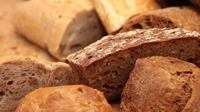Thumbnail # Recept, jak mít z tvrdého chleba opět čerstvý a křupavý, jako byste si ho přinesli právě z pekárny