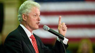Bill Clinton dnes slaví 72. narozeniny. Prezident Spojených států, jehož kariéru poznamenala aféra s Monikou Lewinskou