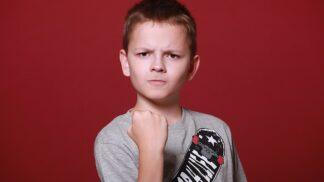 Chlapci svysokou hladinou testosteronu: Velí svému okolí a jsou nepřehlédnutelní # Thumbnail
