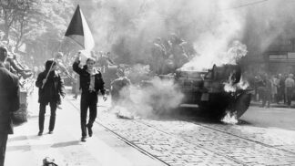 Dnes uběhlo 50 let od velkolepé Operace Dunaj, kvůli které pak na dlouhá léta zůstaly Čechům jen oči pro pláč