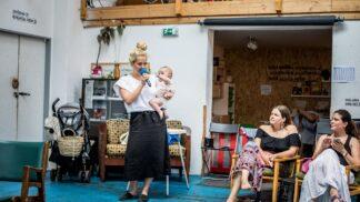 Tamara Klusová pomáhá s osvětou mladých dívek ohledně prvních měsíčků a menstruačních pomůcek