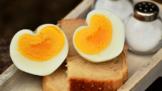 Thumbnail # Jak správně uvařit vejce natvrdo, naměkko a na hniličku. Rady Zdeňka Pohlreicha