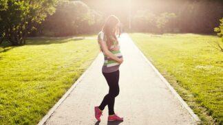 Na jaké potraviny můžete v těhotenství zapomenout? Určitě vynechte tatarák, paštiku, ale i oříšky nebo překvapivě některé ryby
