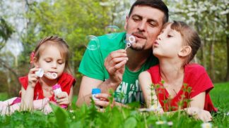 Víte, jaké vlastnosti nejčastěji děti dědí po svých tatíncích?