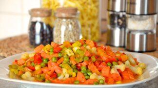 Chcete si zamrazit zeleninu na zimu? Jak to udělat, aby si zachovala barvu, chuť i vitamíny