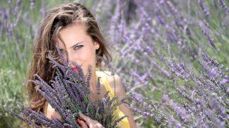 Relaxace s levandulí: Uklidňuje a pomáhá při zlomeninách