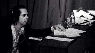 Postava z komiksu i uhrančivý frontman: Nick Cave slaví 61. narozeniny