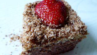 Fitness dezerty: Po tomhle kokosovém dortu nepřiberete ani deko a oblizovat se budete až za ušima