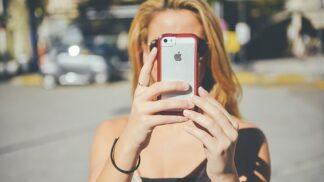 Fenomén iPhone: Kolik dní musí lidé v různých zemích světa pracovat, aby si ho mohli dovolit?