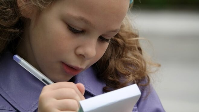 Měsíc školy za námi: Jak rozmluvit školáky, aby s rodiči více komunikovali