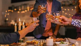 Kávové koktejly: Češi už nepijí jen turka a presso. Do kafe si lijí alkohol nebo přidávají mangové pyré