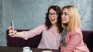 Přátelství: 7 z 10 žen by se chtělo s kamarádkami scházet častěji, než mohou