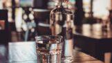 Pijete vodu z kohoutku? Hazardujete se zdravím, říkají odborníci