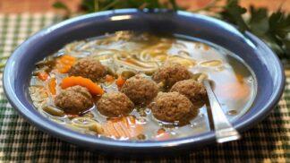 Nejlepší zavářky do polévky – jak na játrové knedlíčky, noky, kapání, strouhání