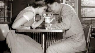 Romantická gesta: Čím si dříve lidé dokazovali lásku?