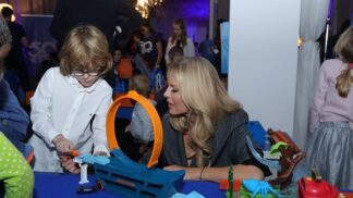 Nejprodávanější hračka na světě: Propadla jí Simona Krainová s rodinou i youtubeři
