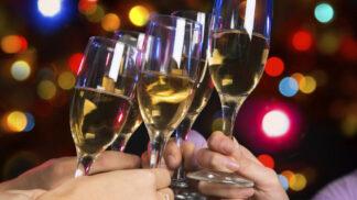 Vánoční přípitek: Vyberte vhodná vína a sekty k vánočnímu menu