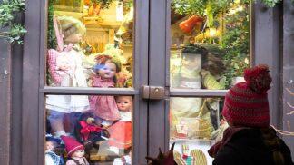 Vánoční nákupní horečka: Češi utratí nejvíce ze všech 34 prozkoumaných států