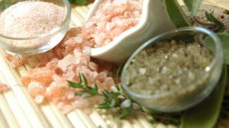 Sůl nad zlato: Znáte blahodárné účinky solných jeskyní a peelingů?