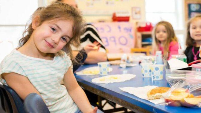 Obědy pro školáky zdarma: ANO, nebo ne?