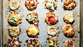 16 chutí z jednoho plechu – tyto mini pizzy upečete do hodiny