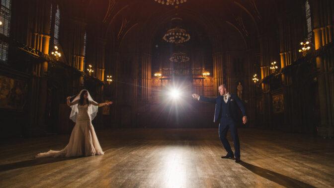 Pár nachystal svatbu ve stylu Harryho Pottera. Nechyběly zlatonky ani Voldemort