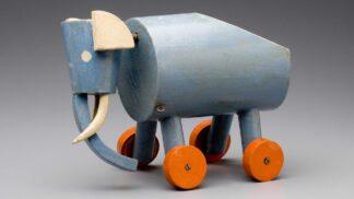 Sto let staré hračky: UPM vystavuje dřevěné poklady Ladislava Sutnara # Thumbnail