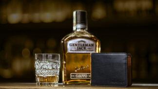 Nápad, který dobývá Česko! Peněženka na iPhone do baru ke skvělé whiskey