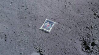 Vzácné historické fotografie: Rodina na Měsíci, poprava špiona i sebevražda # Thumbnail