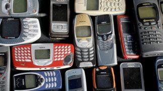 Retro mobilní telefony: S čím v ruce jsme trávili mládí my?