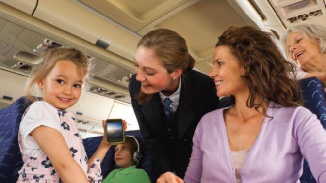 Jak přežít cestu letadlem: K čemu vám budou meruňky, co s vámi udělá kofein