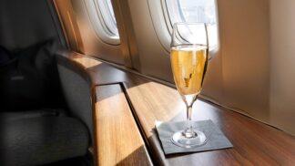 10 věcí zadarmo, o které lze překvapivě požádat na palubě letadla