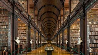 Navštivte 300 let starou komnatu v dublinské knihovně Trinity College