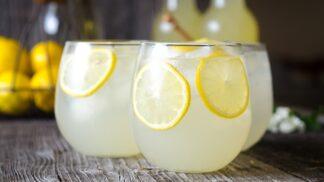 Milovníci citronády, pozor! Kousky citronu mohou obsahovat miliony bakterií a virů # Thumbnail