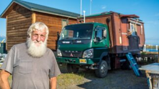 75letý Američan je doma všude na světě. Svůj dům si vozí s sebou