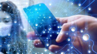 Stovky měst a obcí využívají bezplatnou službu Mobilní rozhlas. Službu oceňují senioři a slabozrací