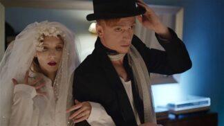 Český film My 2: Lovestory 21. století, třicetiletá žena uteče od svého manžela ke gayovi