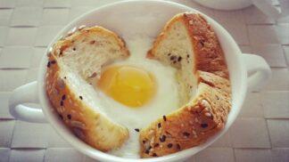 Malá jsou kvalitnější a ta čerstvá jdou hned ke dnu: Jak vybrat a skladovat vejce