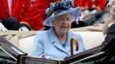 Jak se vaří pro Alžbětu II.? Bývalý dvorní kuchař prozradil, že královna nesnáší česnek a raději než víno má gin