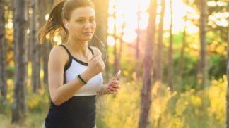 Běhání v pohodlí: Tipy na funkční outfit, který prostě musíte mít