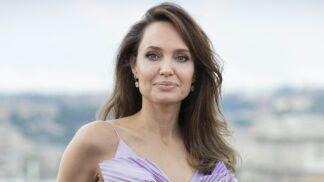 Angelina Jolie píše všem rodičům: Co jim vzkazuje a na co vzpomíná?