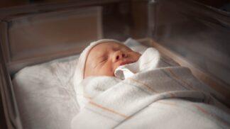 Průlomový převrat. Dítě, které se v Austrálii narodilo matce nakažené koronavirem, nemuselo do izolace