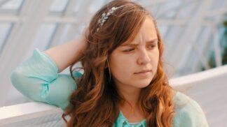 Štěpánka (24): Můj přítel má milenecký poměr s jiným mužem. Mám s ním zůstat, když slibuje, že to ukončí?